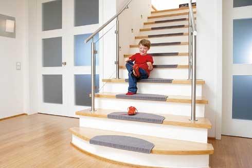 heim deko potsdam gmbh fachmarkt f r raumausstattung treppenstufen. Black Bedroom Furniture Sets. Home Design Ideas